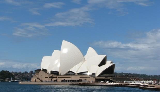 Queen Opens Sydney Opera House